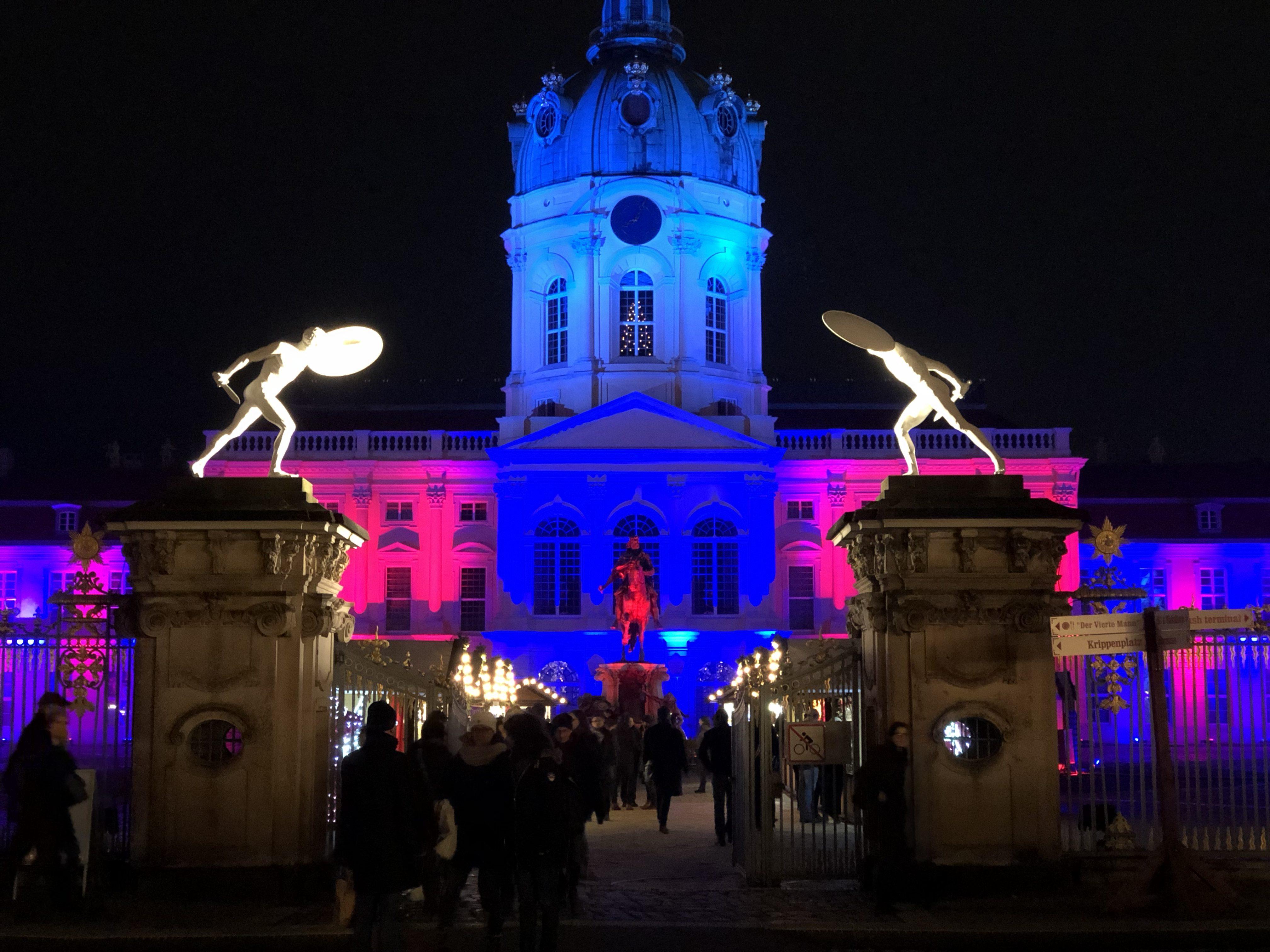 Weihnachtsmarkt Charlottenburg.Weihnachtsmarkt Vor Dem Schloss Charlottenburg Uarrr Org